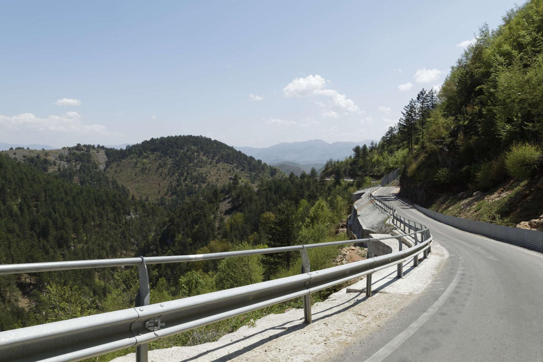 Neue Straße zum Bau der TAP, Trans-Adria-Pipeline durch die Bergwelt in Albanien