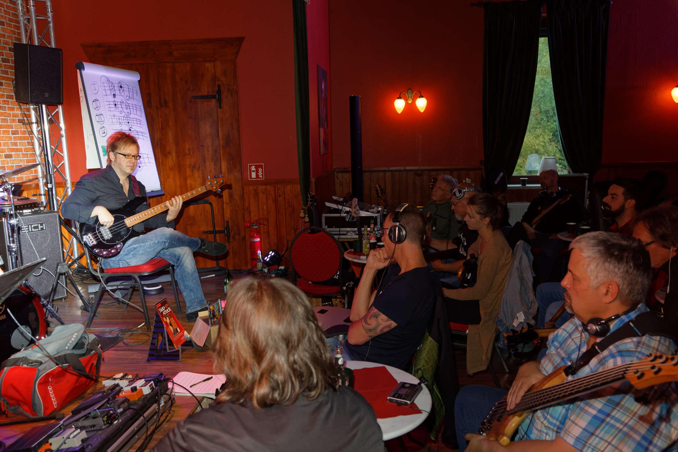 Internationales E-Bass-Treffen im Harz begeistert Dozenten und Teilnehmer